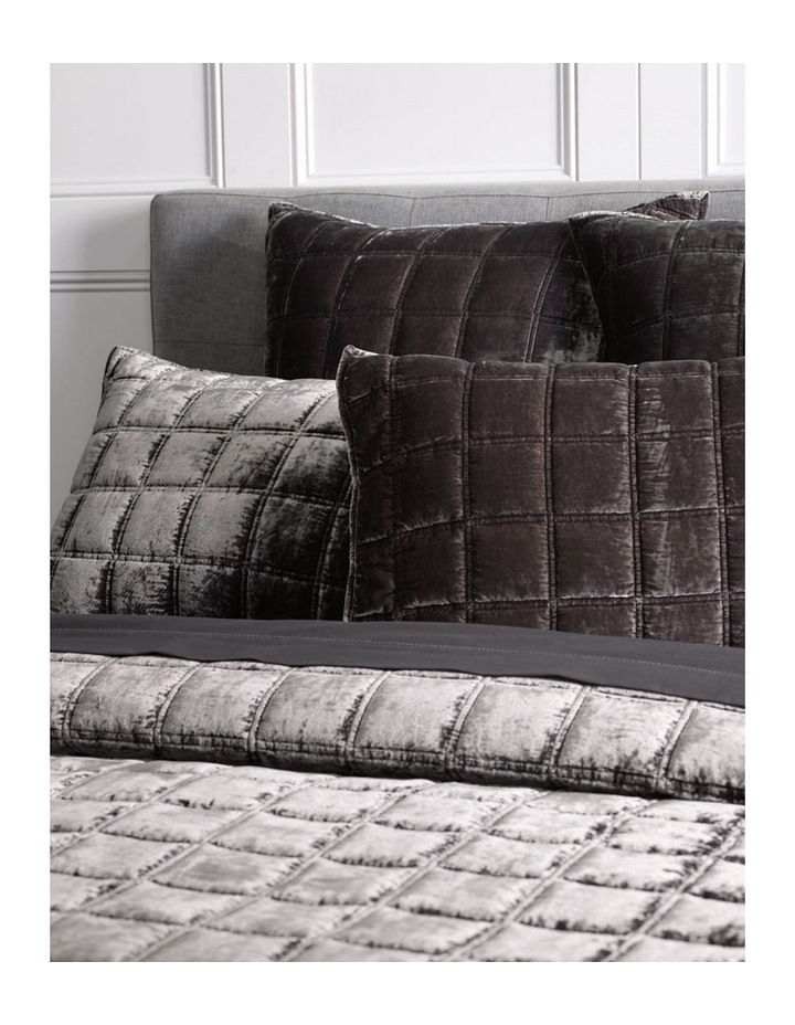 Canfield Bed Cover image 3