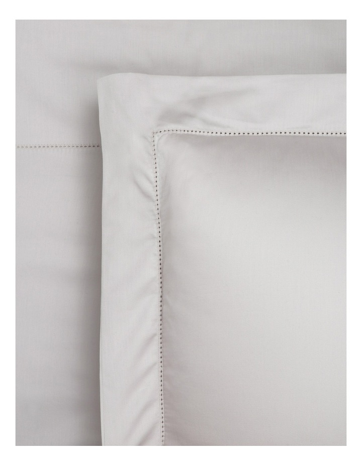 400TC Luxurious Egyptian Cotton Sateen Fitted Sheets in Oyster image 1