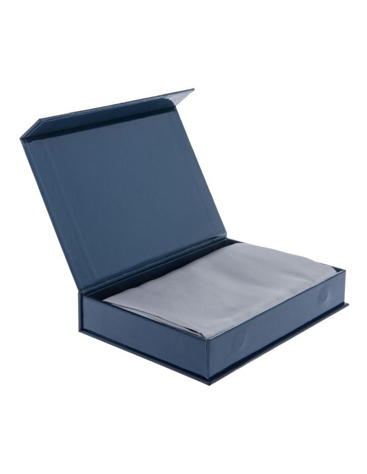 Silk Pillowcase in Silver image 7