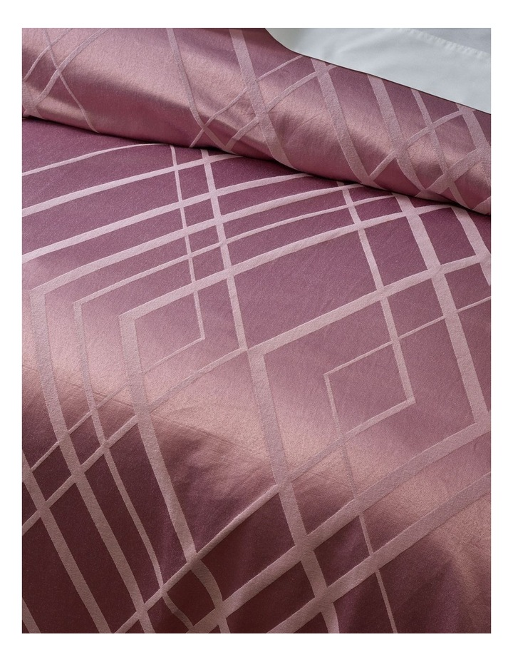 Manhattan Quilt Cover Set in Mauve image 3