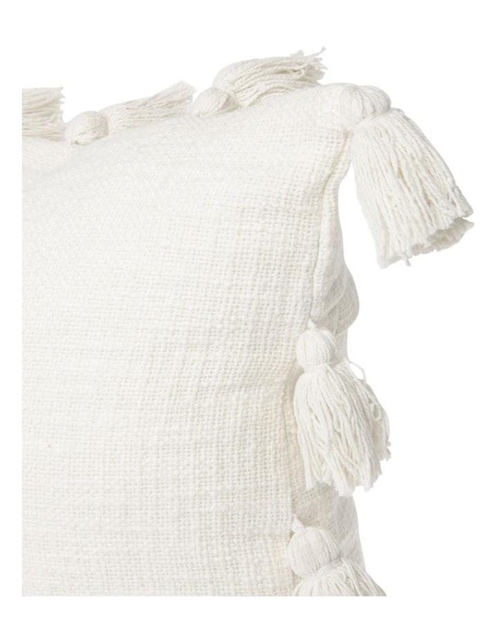 Gibraltar Cotton Slub Cotton Cushion with Tassles in Off White: 50x50cm image 2