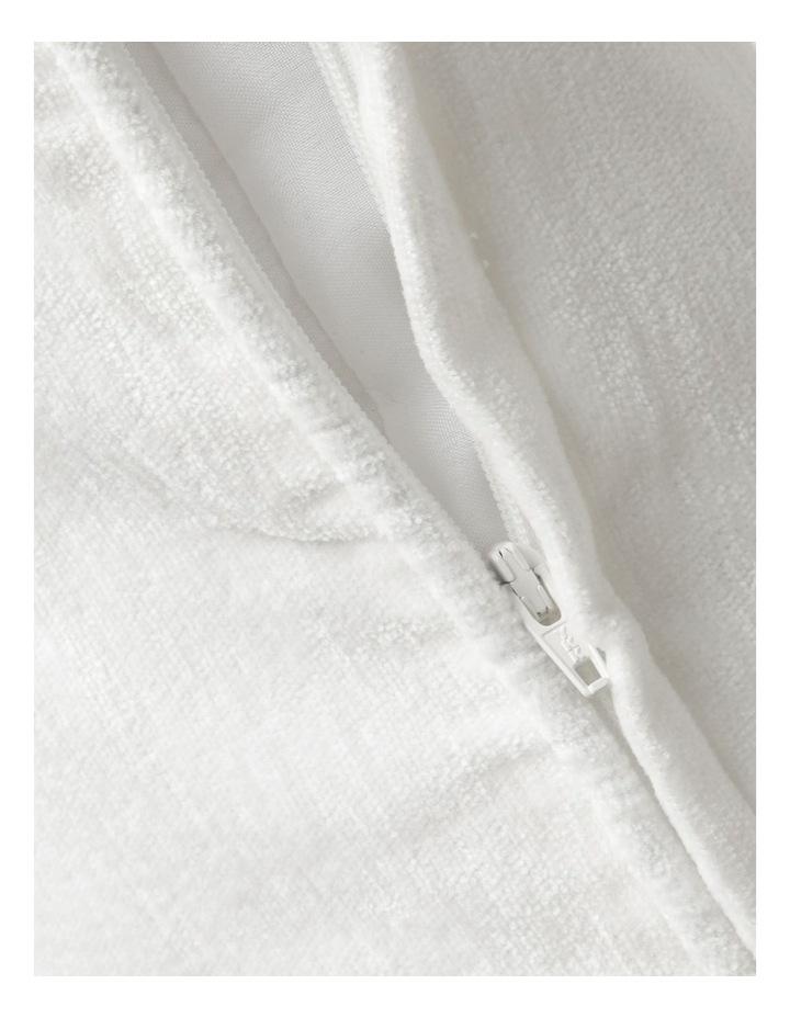 Heritage Pavillion Cushion in Off White: 55x55cm image 4