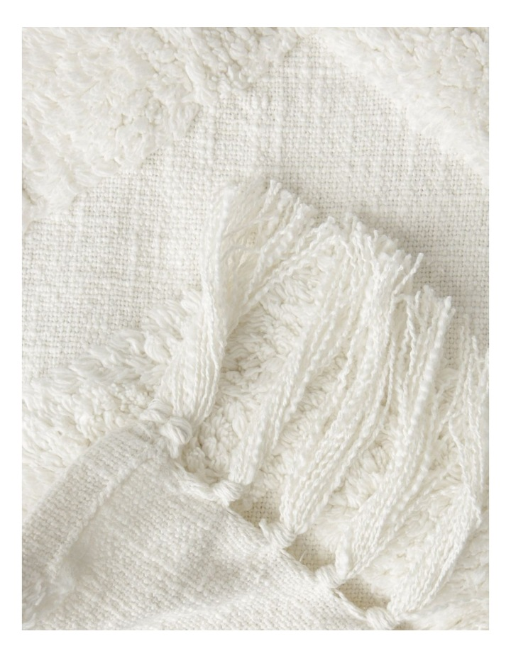 Vue Osiris Knit Throw with Tufting in Off White: 127x152cm image 2