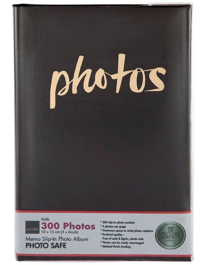 Moda 300x 4x6in Photo Album in Black image 1