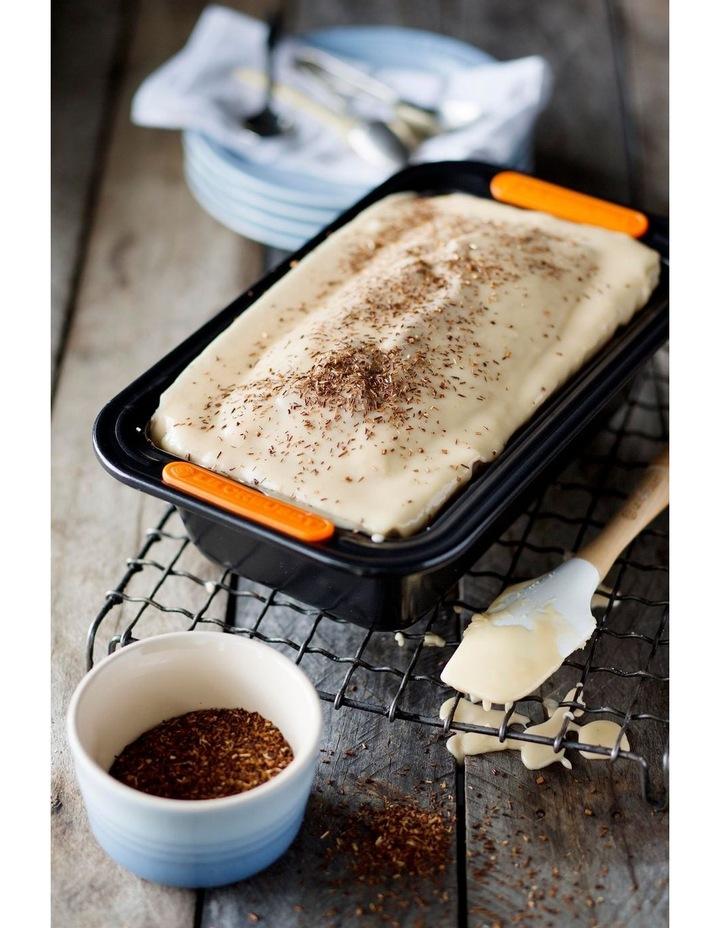 Le Creuset Bakeware 2lb/907g Loaf Tin image 2