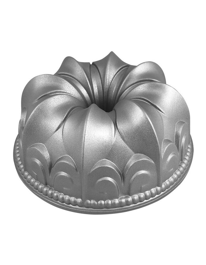 Crown Cake Pan image 1