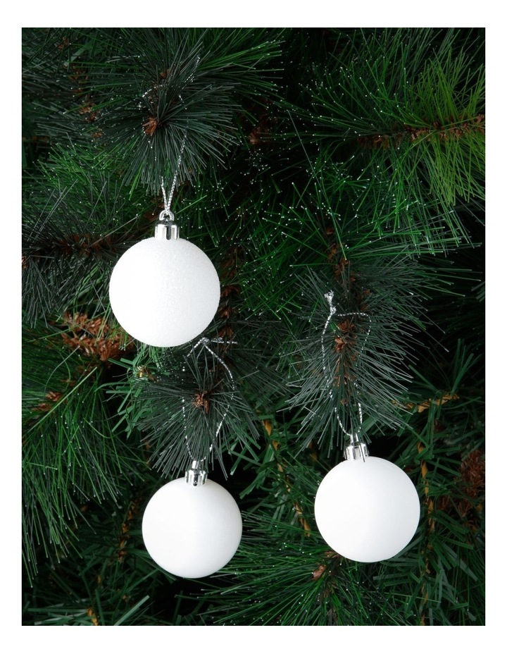 Eucalyptus Assorted White Shatter-Resistant Baubles 24pk image 2