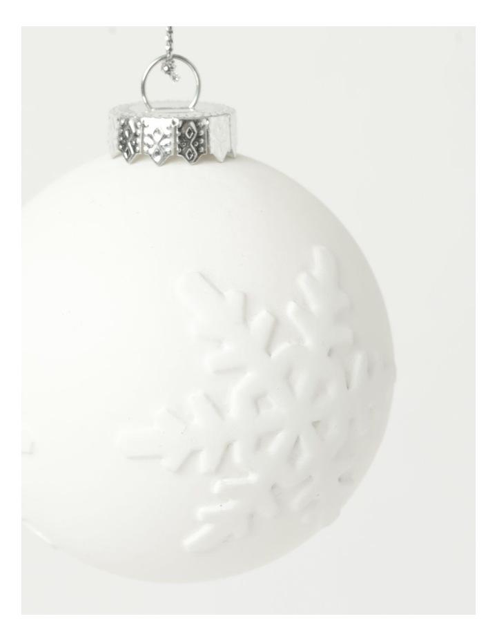 Eucalyptus 4pk Plastic Pressed Snowflake Bauble- White: 8 cm image 3