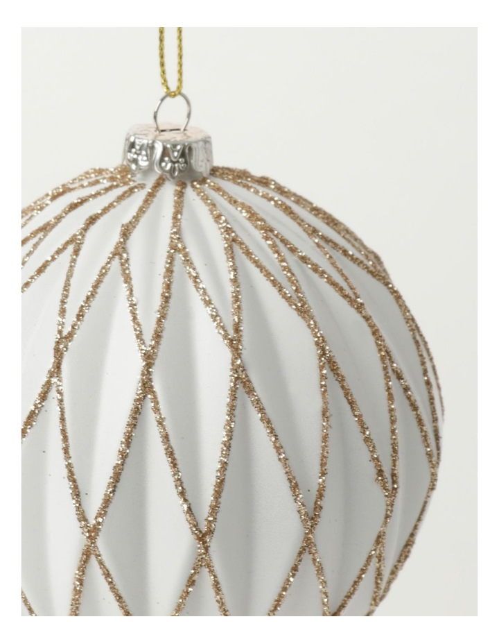 Luxe Plastic Embossed Diamond w/Glitter Bauble- White: 8cm image 3