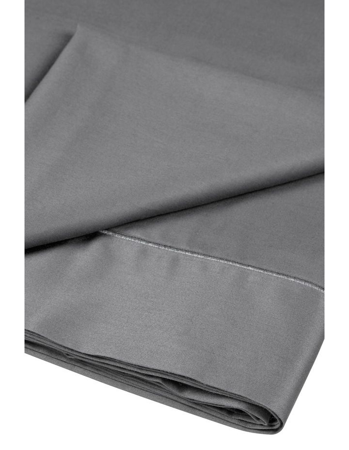 400 Thread Count Soft & Silky Egyptian Cotton Flat Sheet in Dark Grey image 2