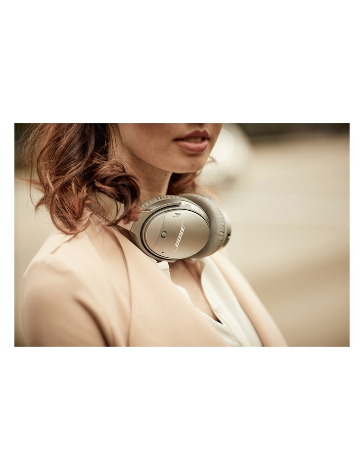 QuietComfort QC35 Wireless Headphones II - Silver image 8