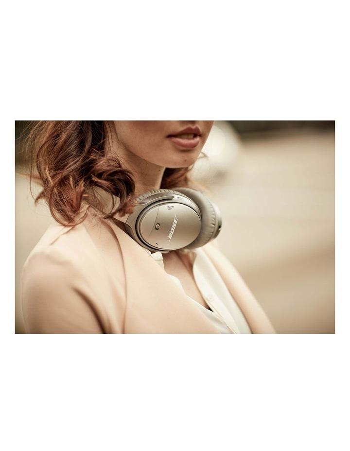 QuietComfort QC35 Wireless Headphones II - Silver image 7