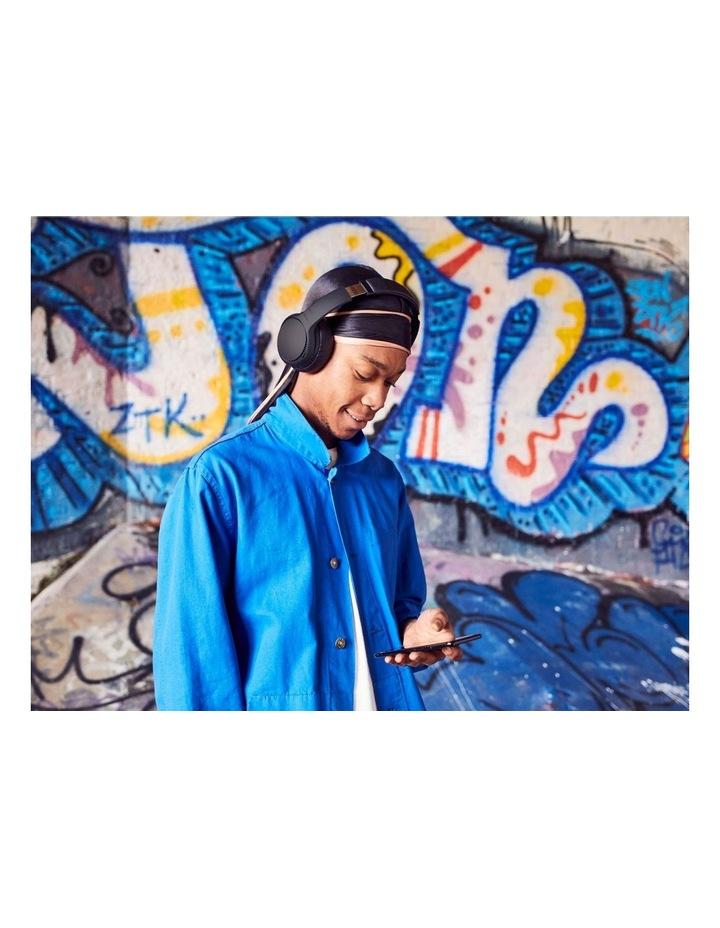 Deep Bass Black Wireless Headphones image 7