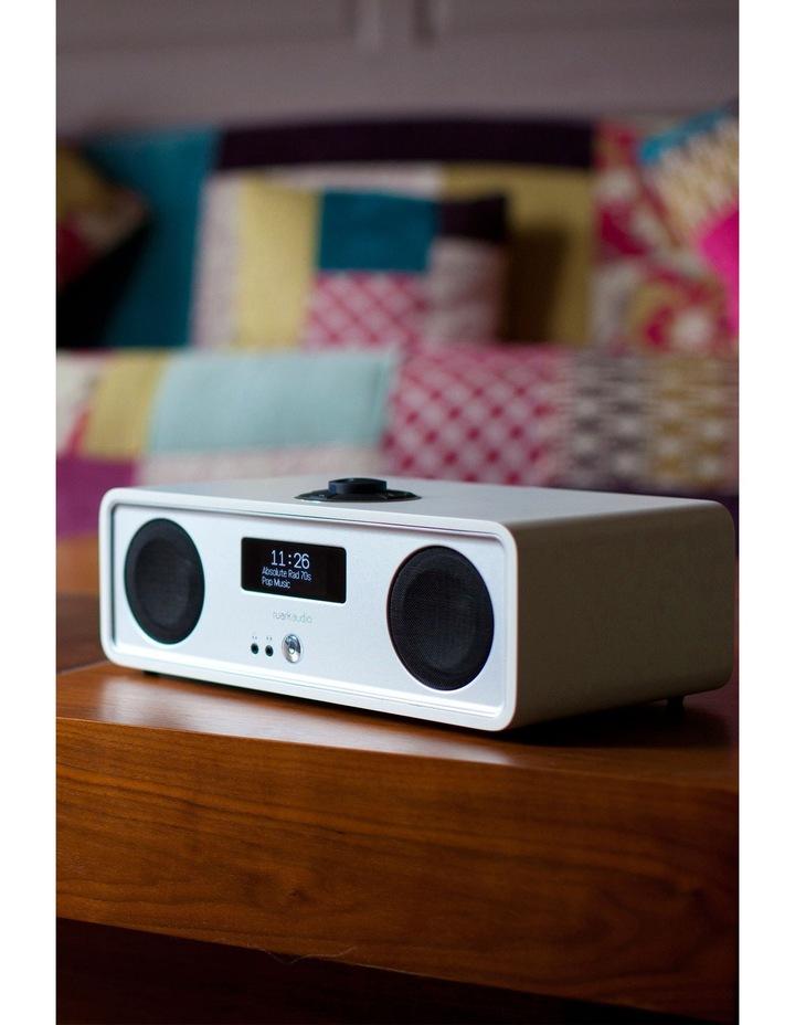 Ruark Audio R2 MkIII FM/DAB Bluetooth® Radio Soft White