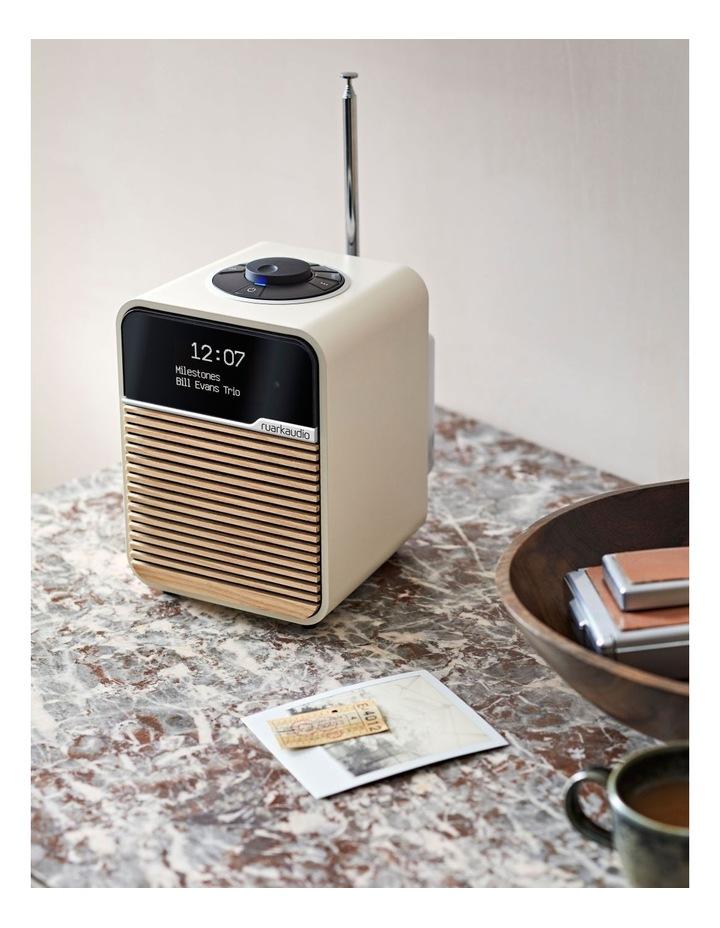 R1 Mk4 Deluxe Bluetooth Radio Light Cream image 7