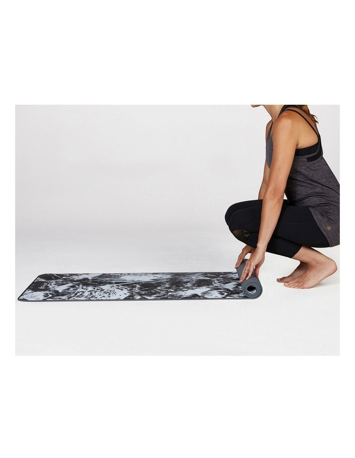 Premium Support 6mm Yoga Mat in Marble image 4