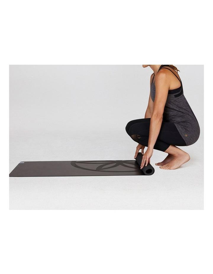 Dry Grip 4mm Yoga Mat in Black image 4