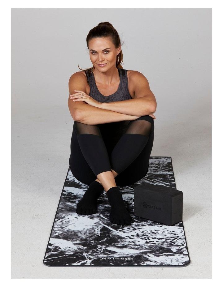 Super Grippy Yoga Socks in Black/Grey image 5