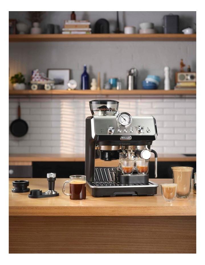 La Specialista Arte Manual Pump Coffee Machine: Metal/Black EC9155MB image 6