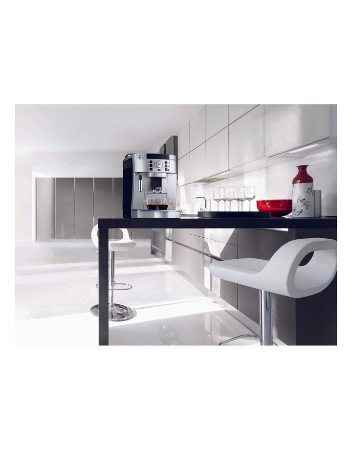 Magnifica S Fully Automatic Coffee Machine Silver ECAM22110SB image 2