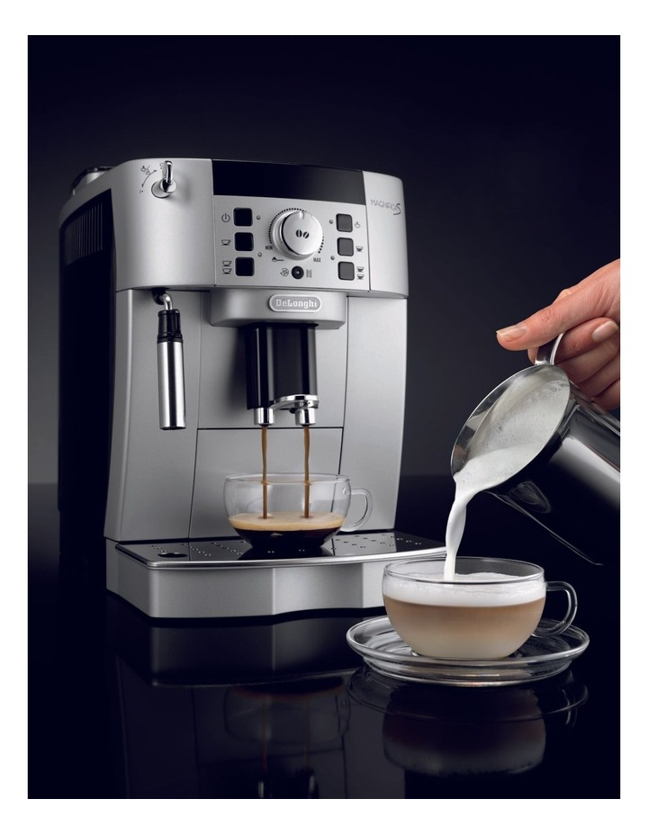 Fully Automatic Espresso Coffee Maker ECAM22110SB image 5