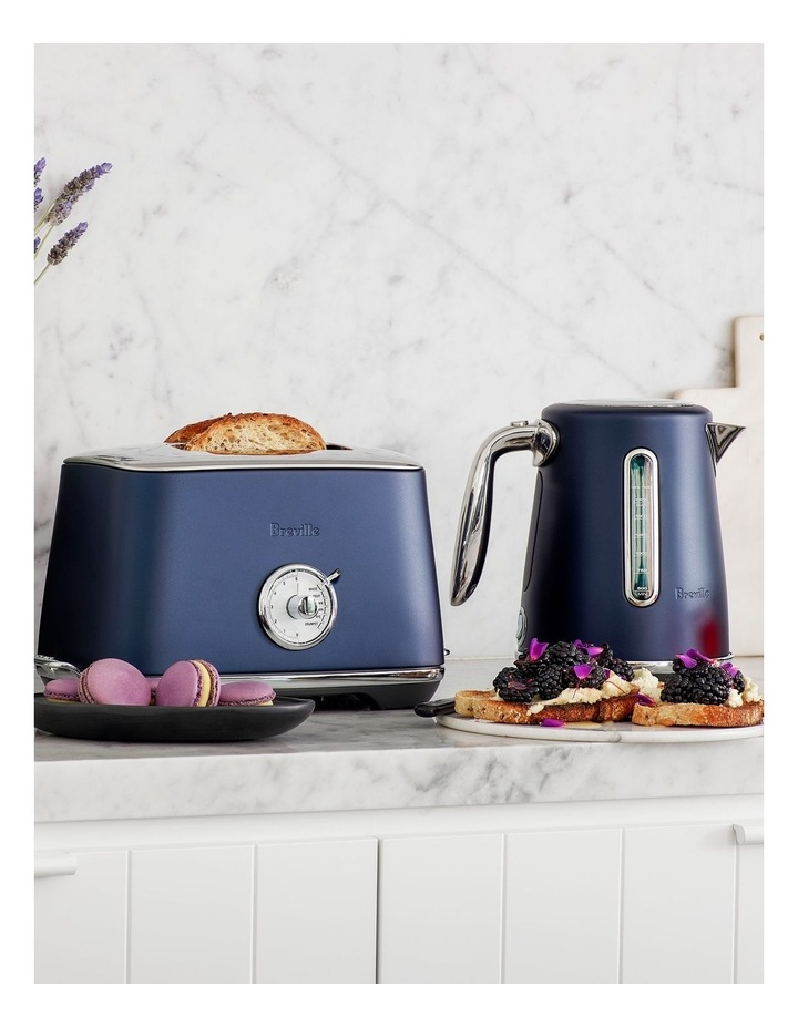 the  Soft Top Luxe Kettle Damson Blue BKE735DBL image 2