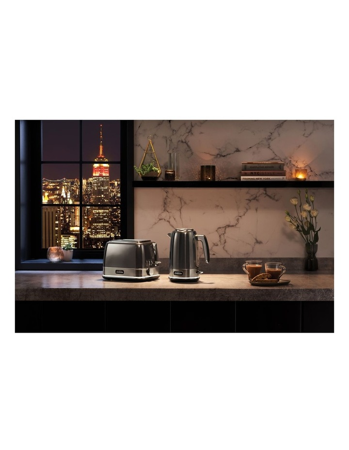 New York Collection 2 Slice Toaster Dark Stainless TA4420GR image 6