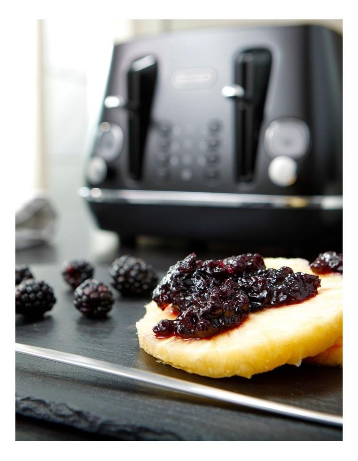 Distinta Moments 4 Slice Toaster: Sunset Black CTIN4003BK image 7