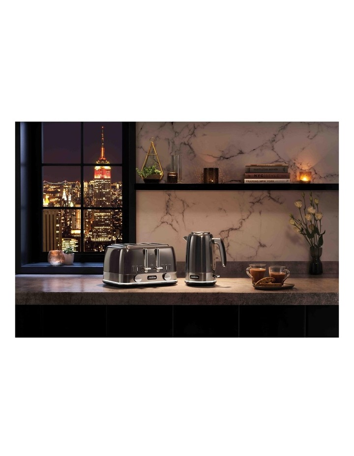 New York Collection 4 Slice Toaster Dark Stainless TA4440GR image 6