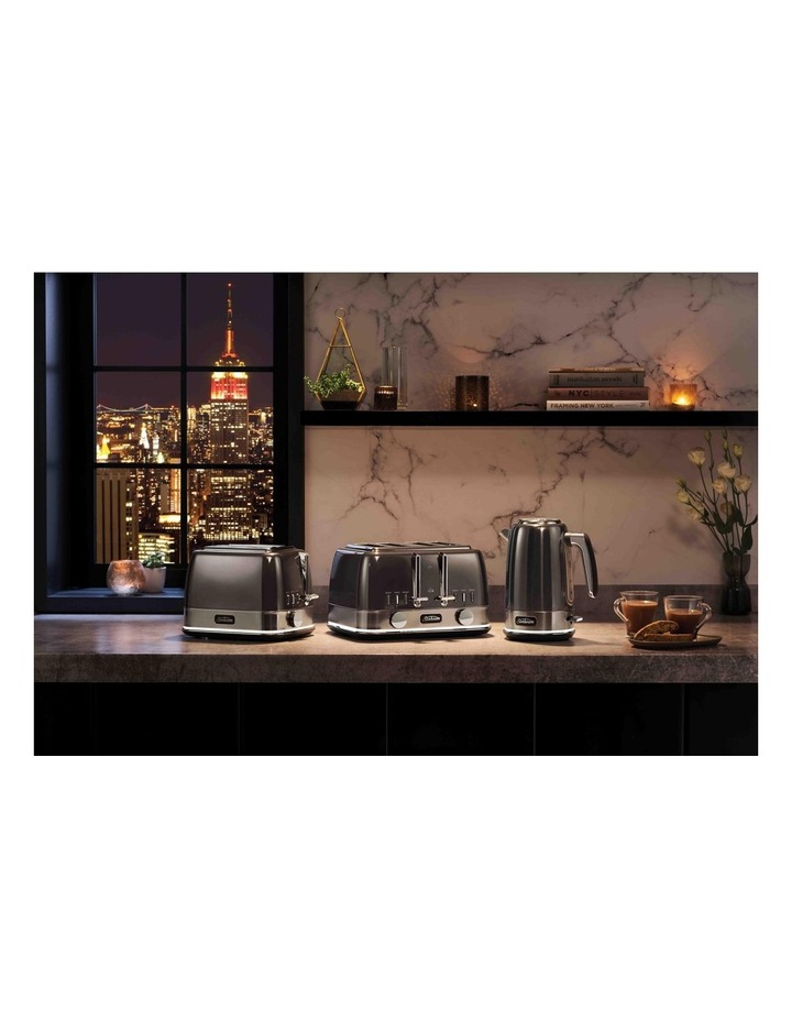 New York Collection 4 Slice Toaster Dark Stainless TA4440GR image 5