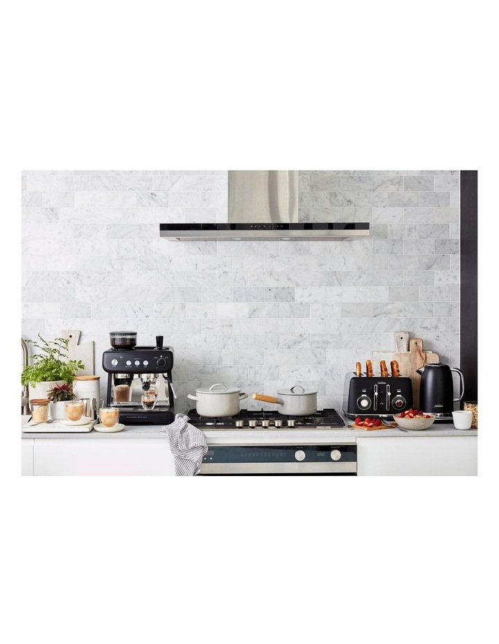 Alinea Select 4 Slice Toaster in Black TA2840K image 3