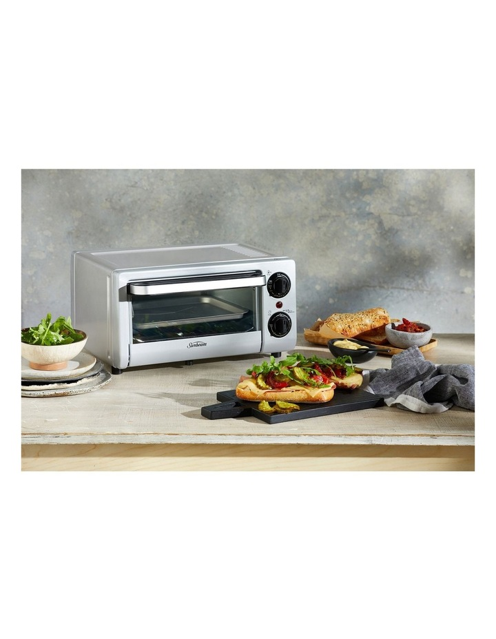 Mini Bake & Grill Compact Oven in Silver COM1000SS image 2
