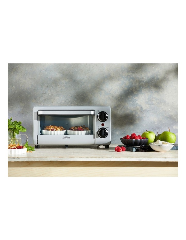 Mini Bake & Grill Compact Oven in Silver COM1000SS image 3