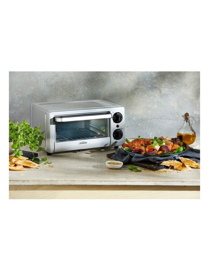 Mini Bake & Grill Compact Oven in Silver COM1000SS image 4