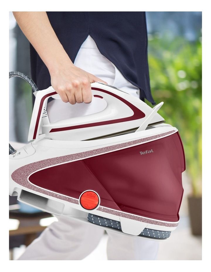 Pro Express Ultimate Steam Generator Red/White GV9534 image 6