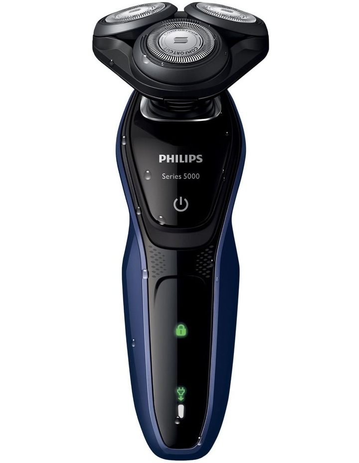 Series 5000 Wet and dry electric Shaver Black/Blue S5086/06 image 2