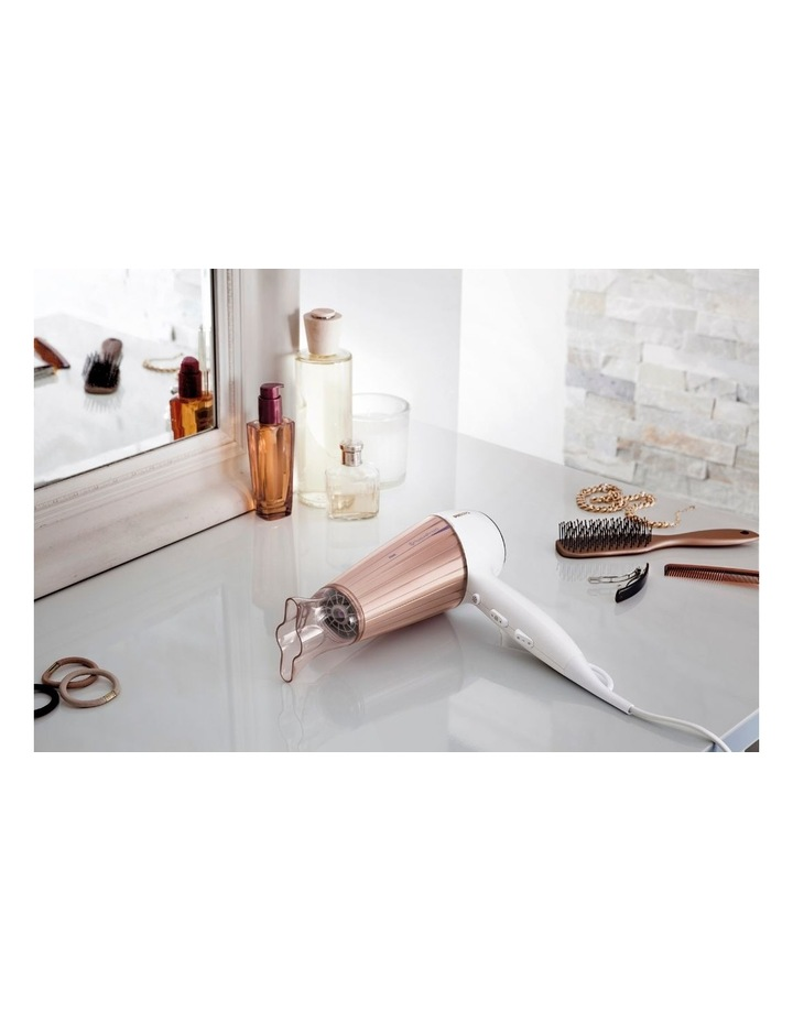 Moisture Protect Hair Dryer White/Rose Gold HP8280/00 image 4