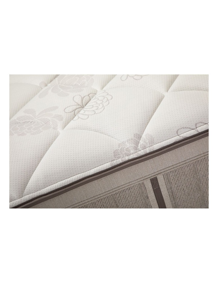 Exquisite Galleria Plush Mattress image 5