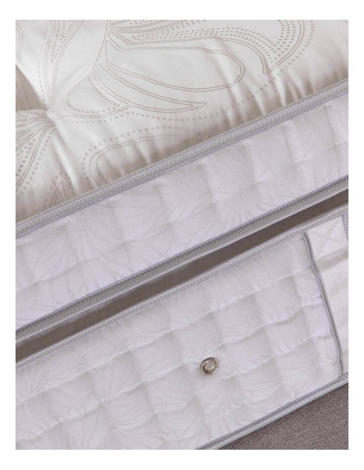 Crown Jewel Royal Empress Ultra Plush Mattress image 5