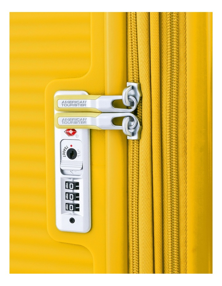 Curio Hard Spin Case 80cm Golden Yellow 4.8kg image 5