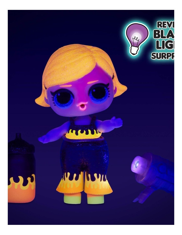 L.O.L. Surprise! Lights Glitter Doll with 8 Surprises image 5