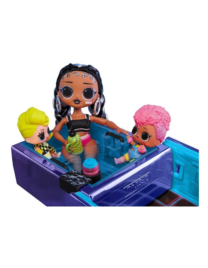 L.O.L Surprise Dance Machine Car with Exclusive Doll, Surprise Pool and Dance Floor, Multicolour and Magic Blacklight image 3
