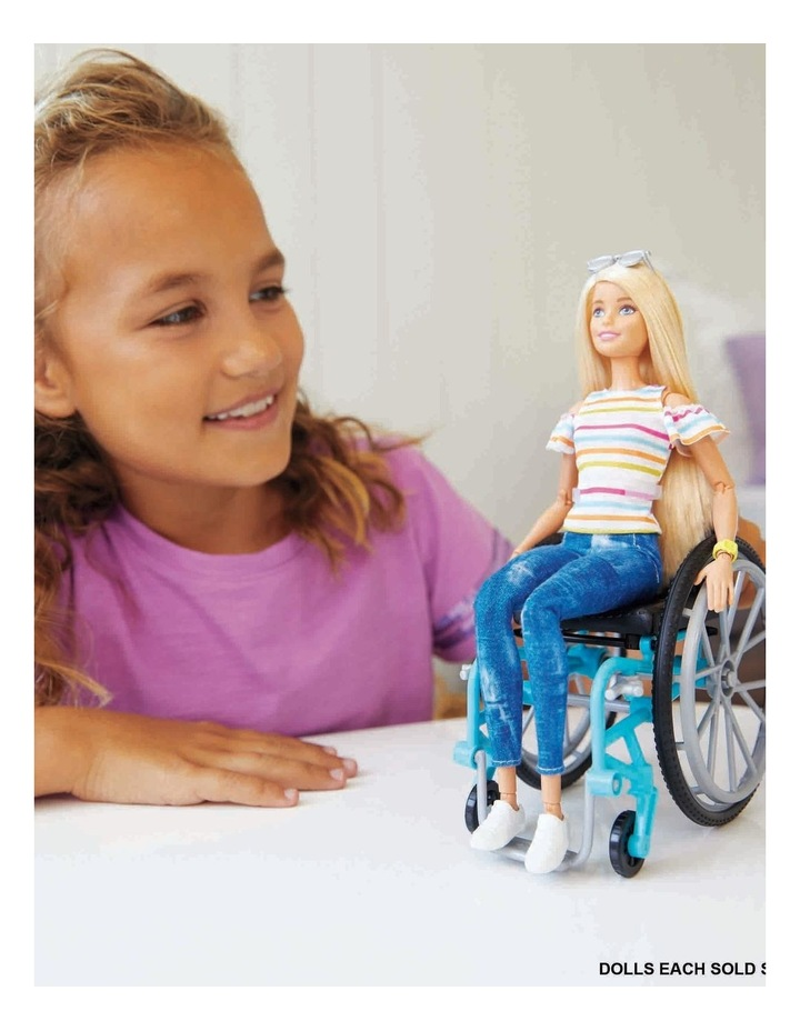 Fashionistas Wheelchair Doll image 3