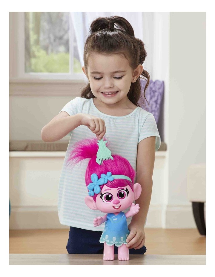 World Tour DreamWorks - Toddler Poppy Doll with Removable Dress & Comb image 6