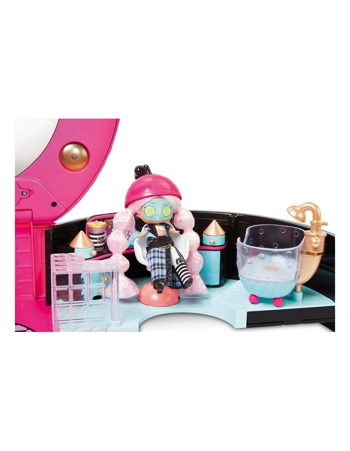 L.O.L. Surprise! Hair Salon Playset with 50 Surprises and Exclusive Mini Fashion Doll image 4