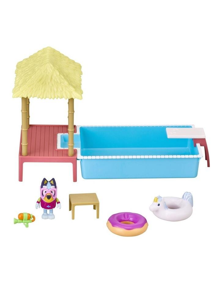 Bluey Pool Time Fun Playset image 2