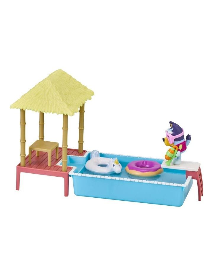 Bluey Pool Time Fun Playset image 3