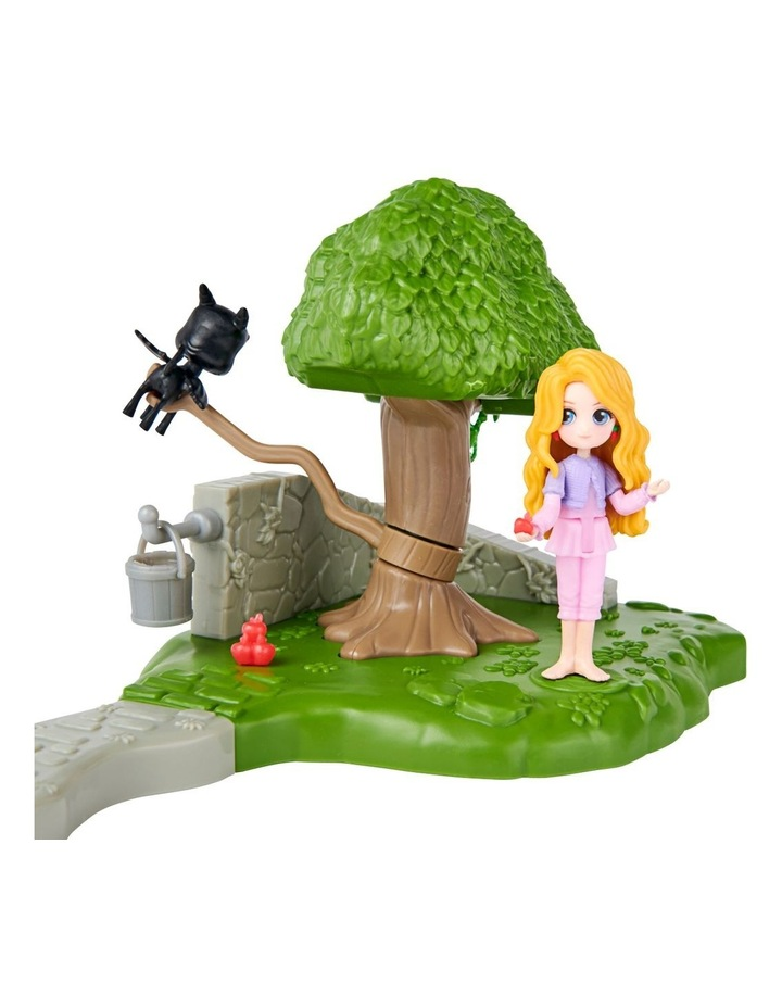 Harry Potter Magical Mini's Classroom Playsets - Care of Magical Creatures Classroom image 5