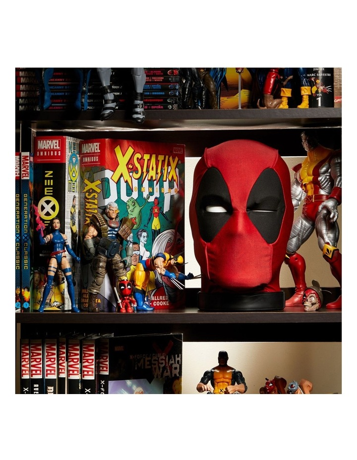 Legends Deadpools Head - Moving, Talking Electronic, App Enhanced Premium Interactive Collectible image 6