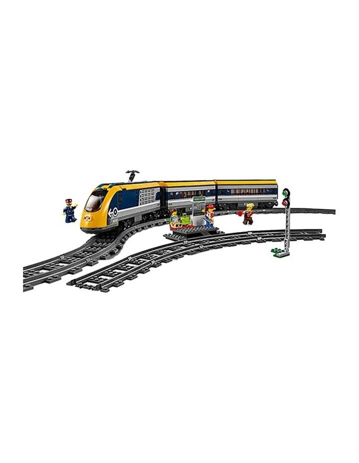 City Passenger Train 60197 image 2